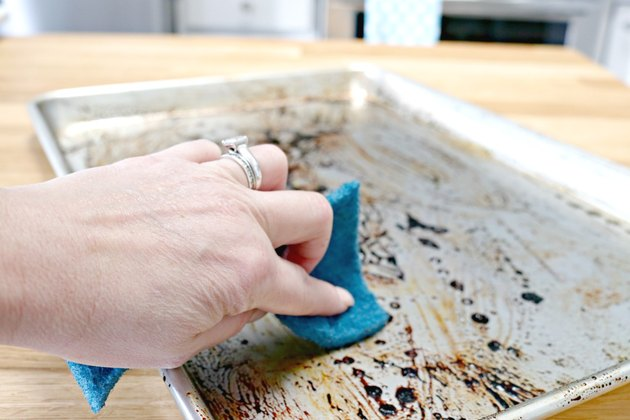 how to clean a sheet pan