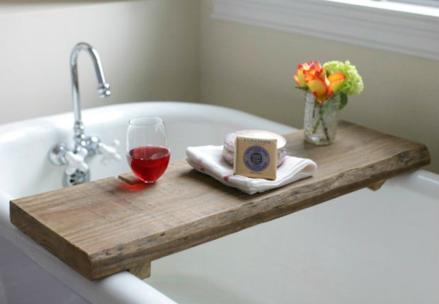 Reclaimed wood bath caddy
