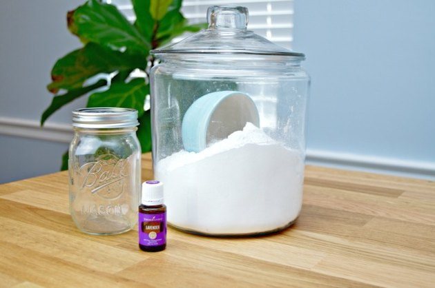 DIY Mattress Deodorizer Ingredients