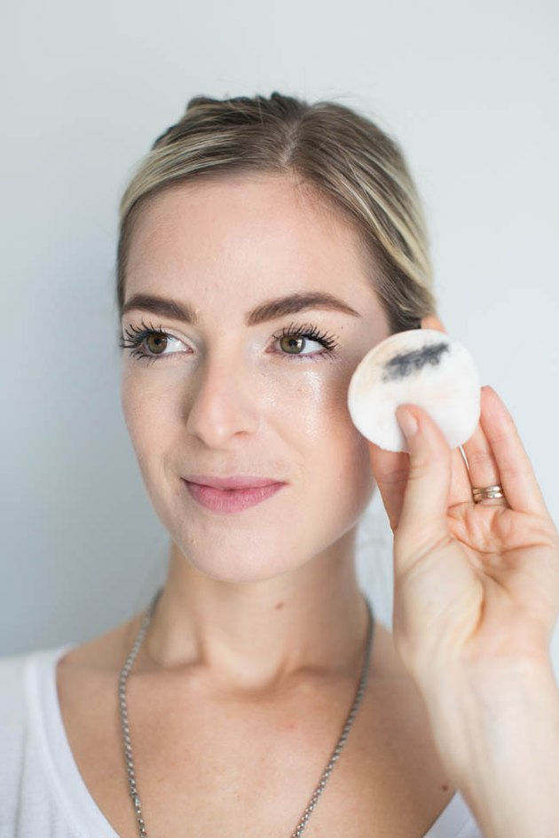 Remove Makeup with All-Natural Makeup Remover Wipes