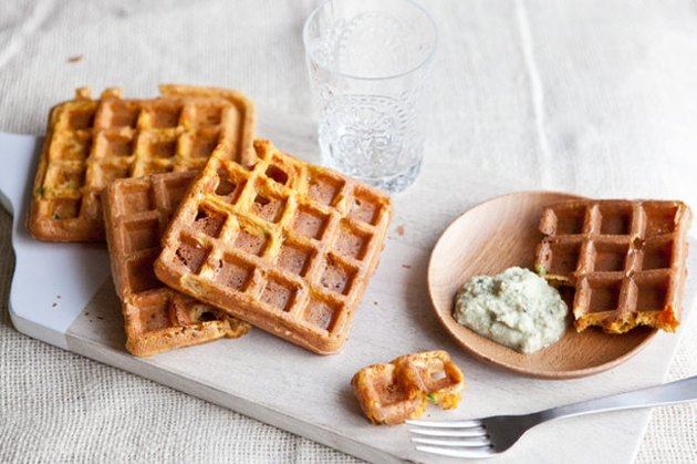 Waffles with chutney