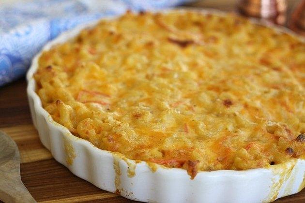bubbling hot mac & cheese