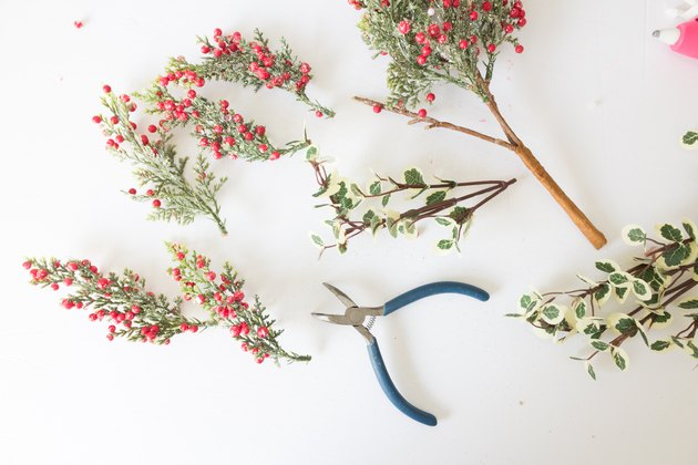 Disassembling florals picks