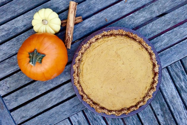 Easy gluten-free low-carb pumpkin pie with almond meal crust.