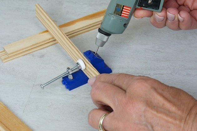 cut pocket holes in table planks