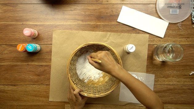 Painting basket for DIY desert-style basket.