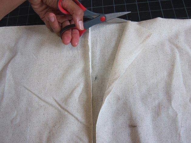 Cut collar opening