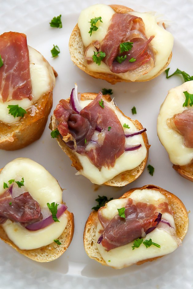 An easy crostini recipe made with fig preserves and salty prosciutto.