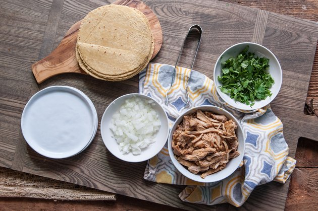 How to Make Shredded Chicken Tacos