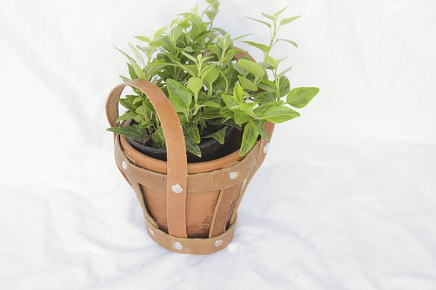 Finished small planter holder.