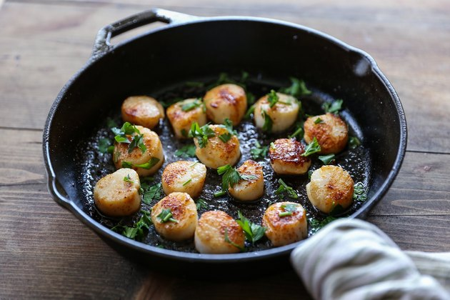 Scallops in a skillet