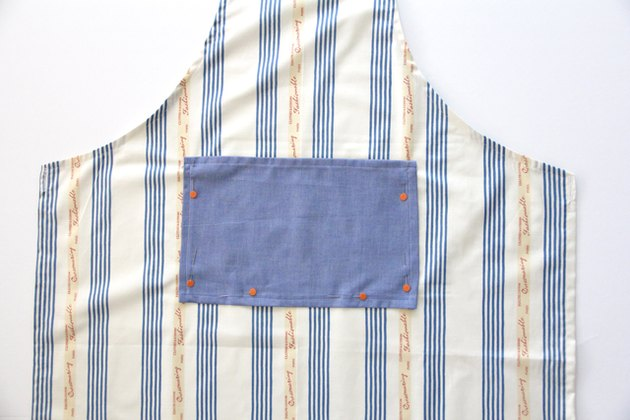 How to add an apron pocket