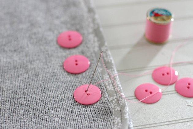 attach buttons