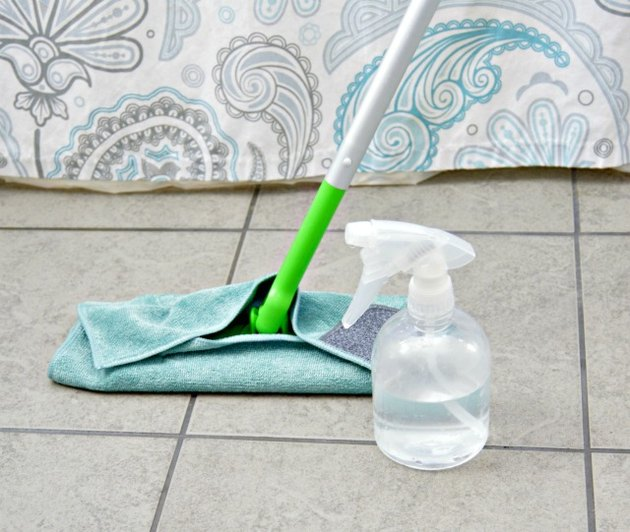 clean tile floors with baking soda and vinegar