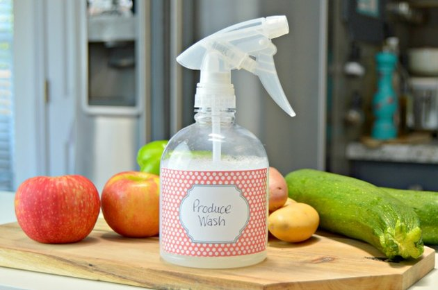 homemade fruit and vegetable wash solution