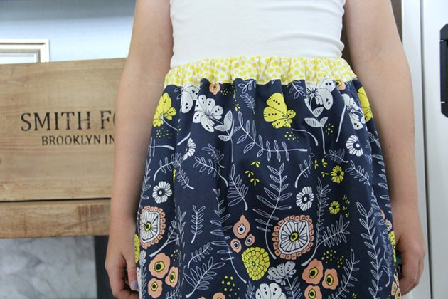 Sew an easy elastic waistband with this DIY