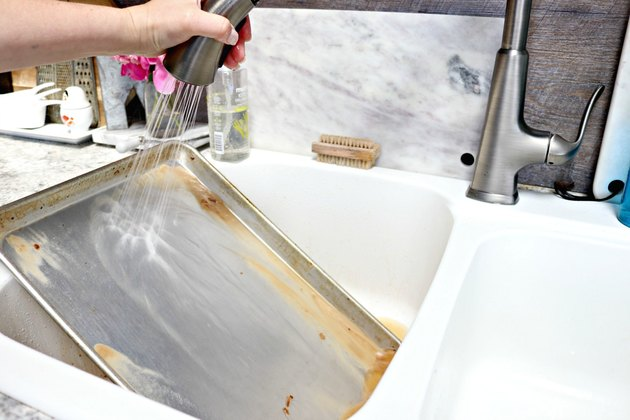 How To Naturally Clean Burned Food Off Baking Pans Ehow