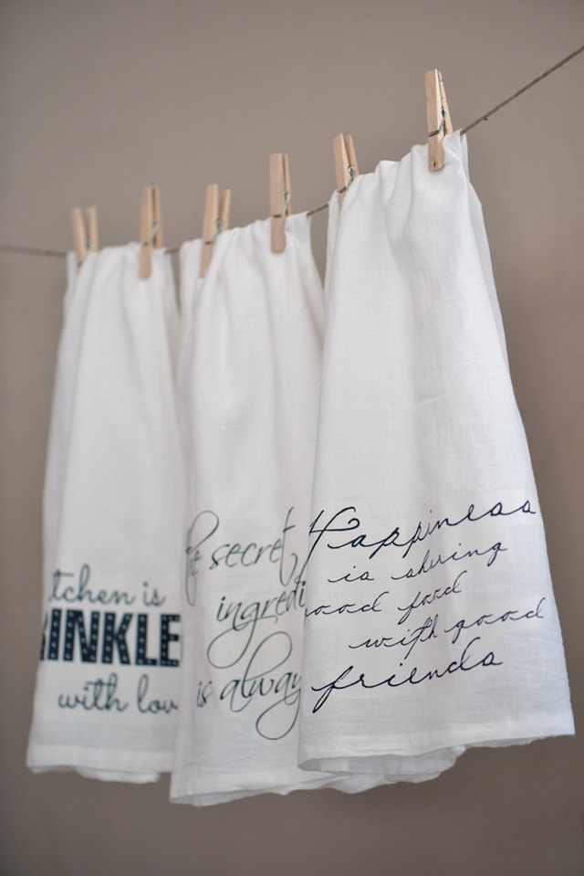 DIY Kitchen Towels With Quotes