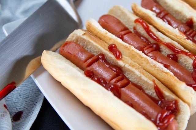 "DIY ""Bloody"" Hot Dog Fingers"