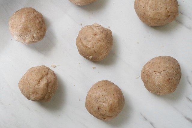 Vegan cinnamon sugar cookie dough