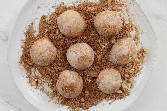 Roll dough in cinnamon sugar