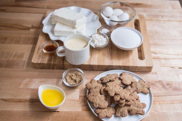 Eggnog Cheesecake with Gingerbread Crust Recipe