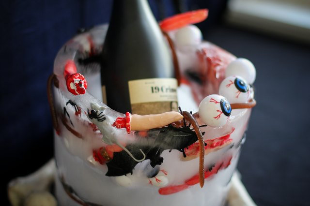 Halloween creepy ice bucket