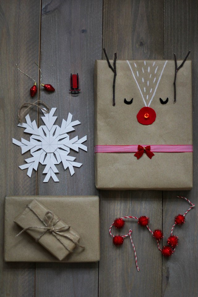Light-up Rudolph gift wrap