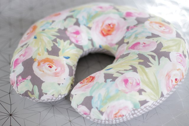 When sleeping upright is your only option, this soft and comfortable neck pillow will help you get the Zzz's you need.