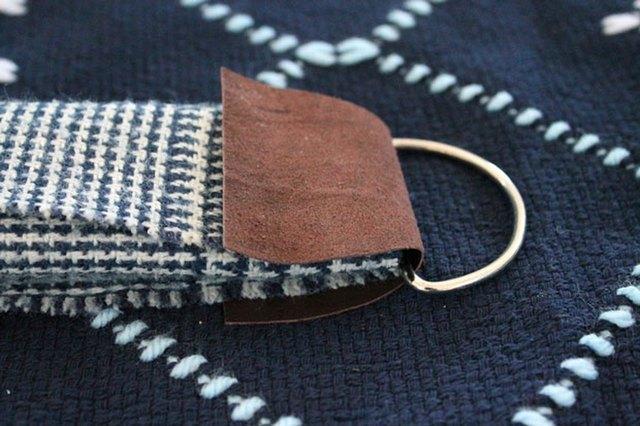winter-scarf-camera-strap-fol-leather