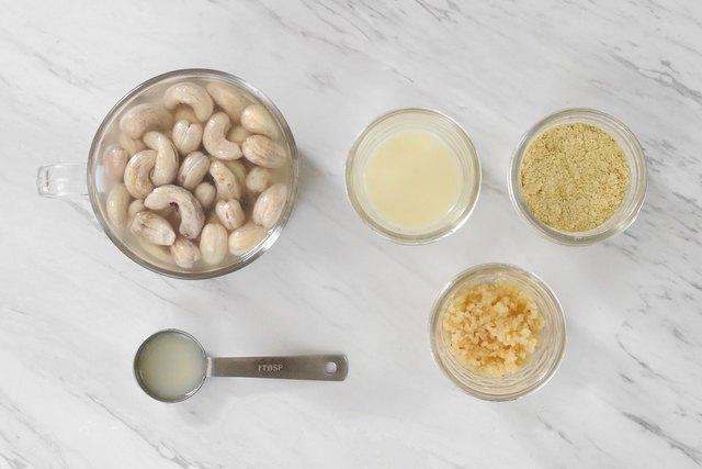 Cashew cheeze ingredients