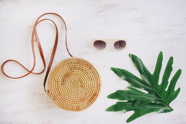 Round straw basket bag