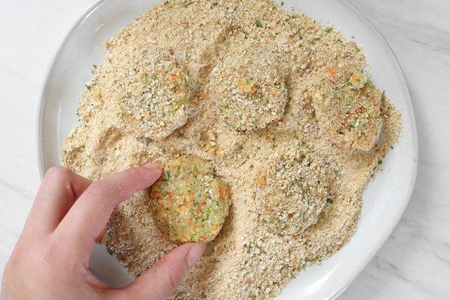 Coat veggie nuggets with bread crumbs