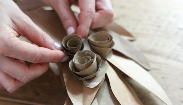 Arrange rosettes