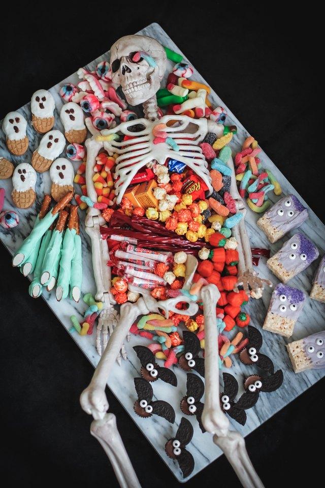 Skeleton dessert platter