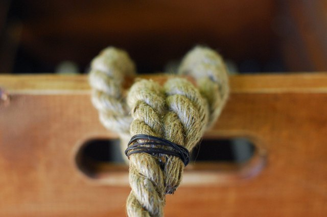 Apple crate rope handle