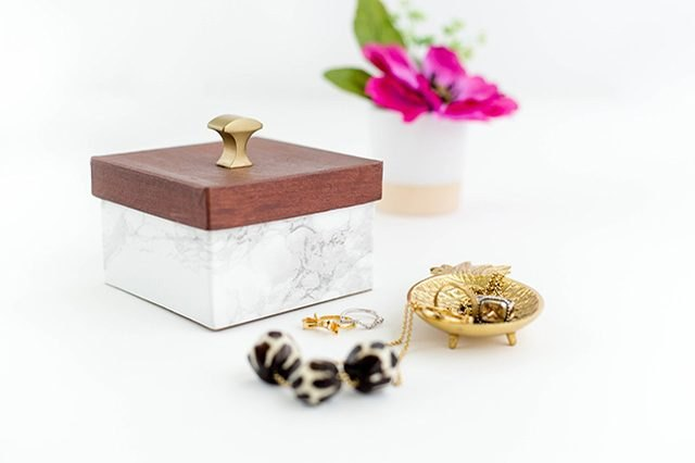Wooden trinket box.