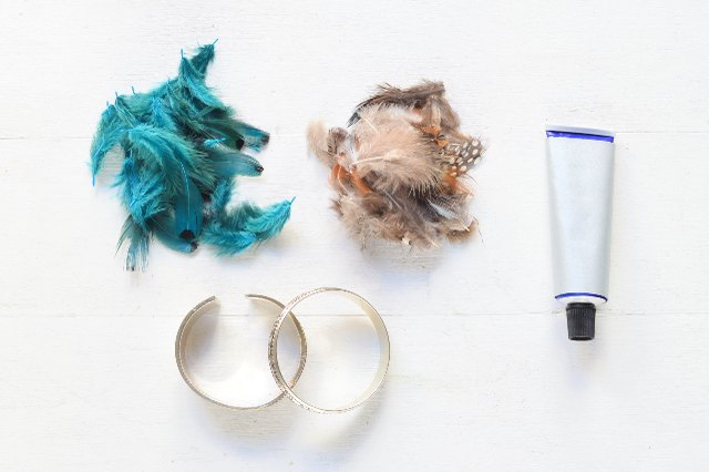 Materials for feather bracelets