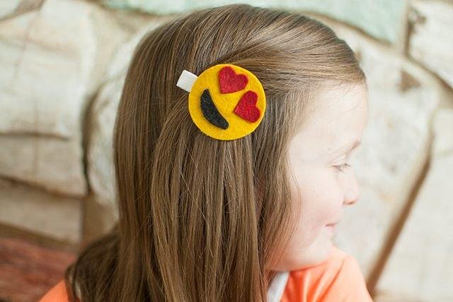 Emoticon Hair Clip