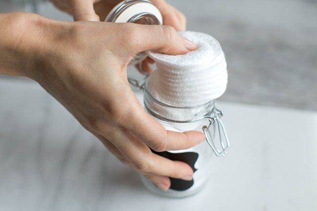 Cotton Rounds as Makeup Remover Wipes