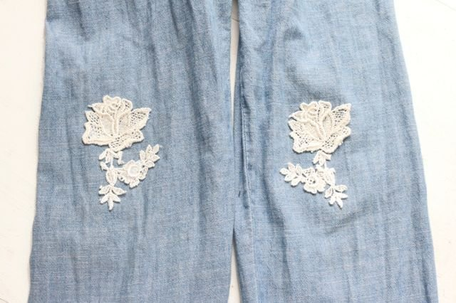 Lace flowers on sleeves