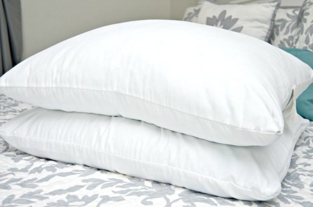 How to clean bed pillows