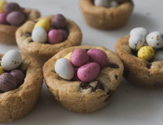 Easter Egg Nest Cookie Cups