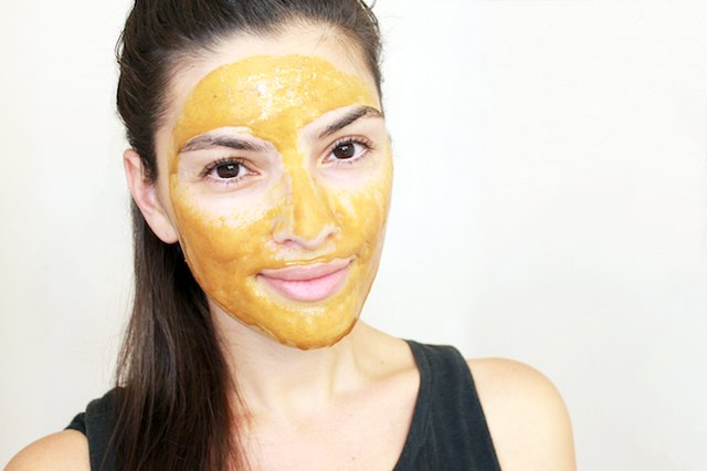 3 DIY face masks you can make with turmeric.