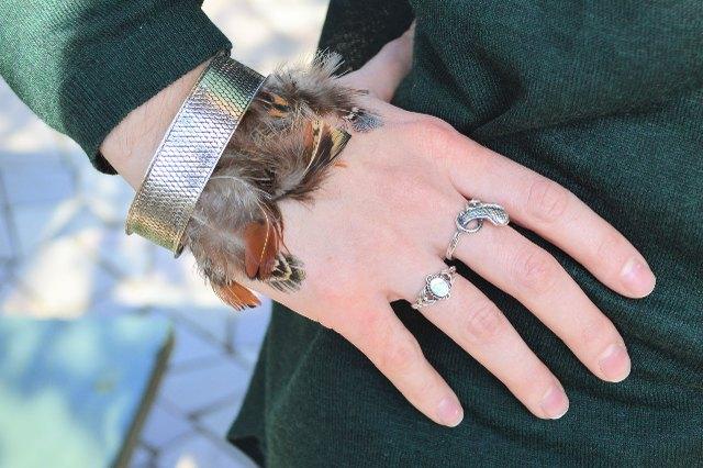 Finished feather bracelet