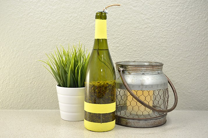 An image of the citronella wine bottle.