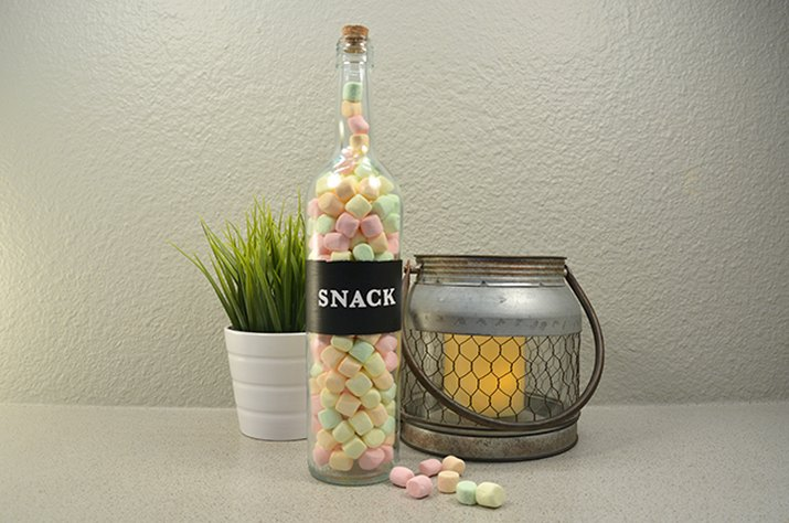 An image of the snack wine bottle.