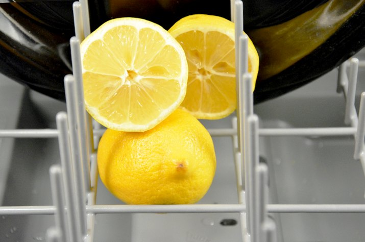 An image of lemons in a dishwasher.