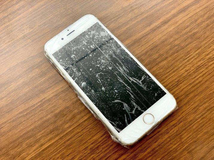 Screen Protector/Waterproof Phone Case