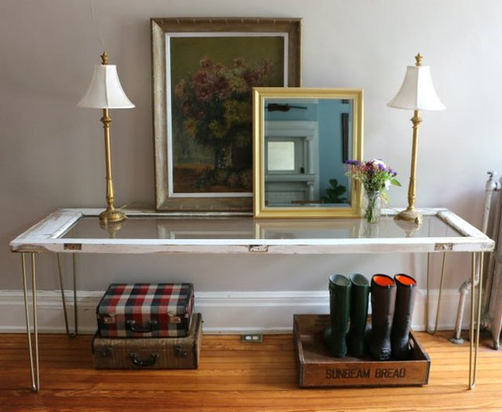 Transform an Old Door Into a Beautiful Entry Table